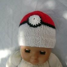 Bonnet pokeball naissance